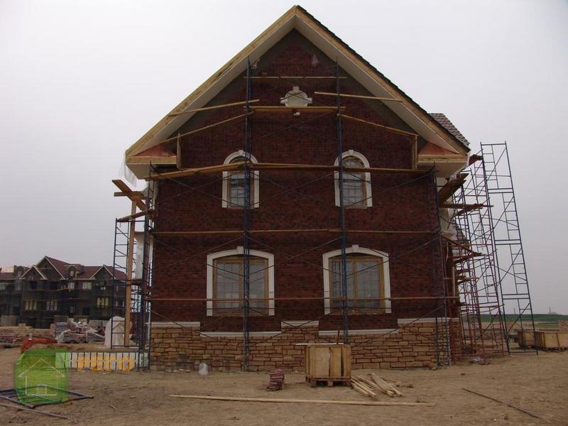 Фасад дома отделка короед фото